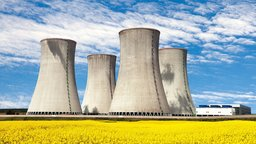 The Nuclear Fuel Cycle and Advanced Reactors